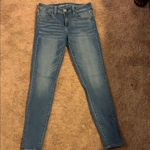 Selling American Eagle Jeans . They are Jegging